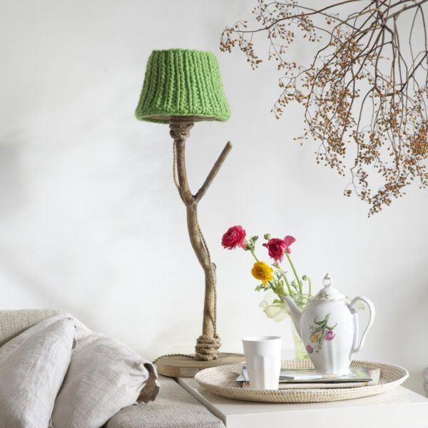 Bordslampa trä rustik äppelgrön