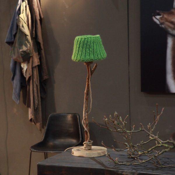 Bordslampa trä landstil äppelgrön