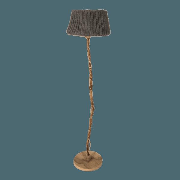 trä golvlampa träfot stickade lampskärmen