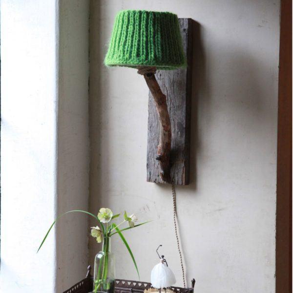 Trävägglampa Dutch Dilight äppelgrön stickade lampskarmen