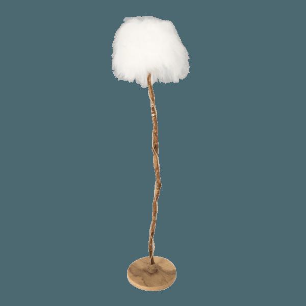golvlampa av ek, med lampskärmen från vit isländskt fårskinn