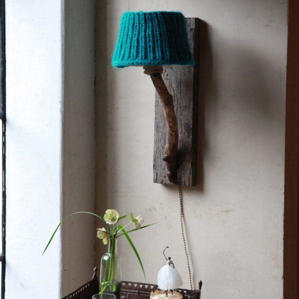Trävägglampa turkos landstil